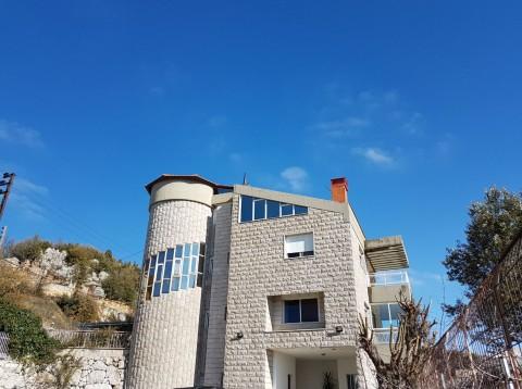 Kfardebian Villa $0